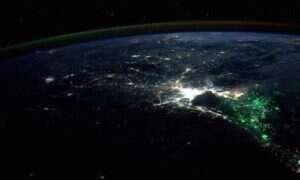 Co to za zielona poświata otaczająca Bangkok?
