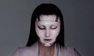"""""""Elektroniczny makijaż"""", czyli jak wprowadzić upiększanie twarzy na nowy poziom"""
