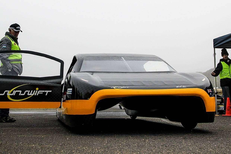 Pojazd elektryczny studentów pobił właśnie 26 letni rekord prędkości