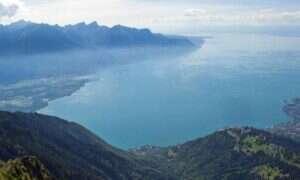 W Alpach może powstać tsunami na jeziorze