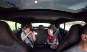 Tesla S P85D pokazuje, że ich samochody mogą być lepsze od tych na benzynę