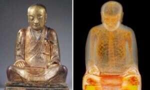 Tomografia odkryła zmumifikowanego kapłana wewnątrz 1000 letniego posągu