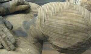Starożytne sarkofagi dryfowały w kanałach pod Egiptem