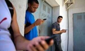 Na Kubie artysta uruchomił swoje pierwsze publiczne i darmowe Wi-Fi