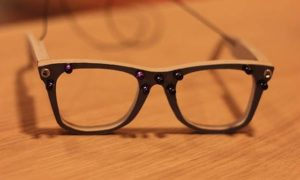 Te okulary mają sprawić, że wasza twarz zniknie w obiektywach kamer