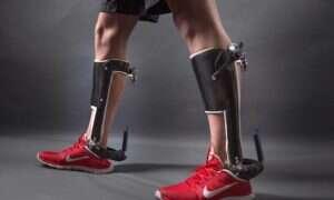 Te egzoszkielety pomogą niepełnosprawnym w chodzeniu