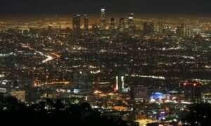 Los Angeles: Sterowanie oświetleniem za pomocą jednego laptopa