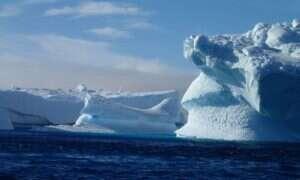 Tak powstaje góra lodowa o długości 27 km