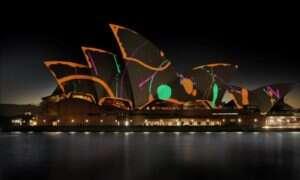 Artystyczne widowisko: Trójwymiarowa projekcja na dachu Sydney Opera House