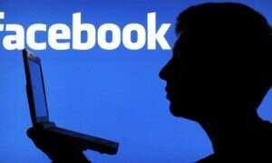Nastolatku, uważaj co robisz w sieci! Rodzice coraz częściej na Facebooku