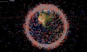 Spędź czas obserwując orbitujące wokół Ziemi kosmiczne śmieci