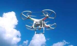 Federalni zajmują się sprawą nastolatka który skonstruował strzelającego z broni palnej drona