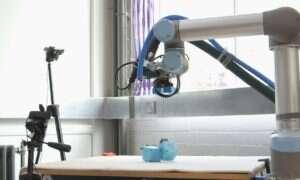 """Robot """"matka"""" buduje """"dzieci"""", by imitować ewolucję"""
