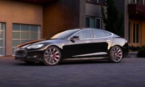 Tesla P90D – supersamochód to za mało