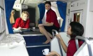 Jak wygląda kabina załogi w samolocie pasażerskim?