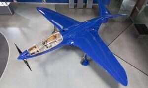 Przedwojenny samolot Bugatti 100P wreszcie wzniósł się w przestworza