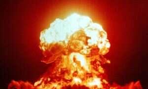 Rozwój broni atomowej – infograficzna bomba