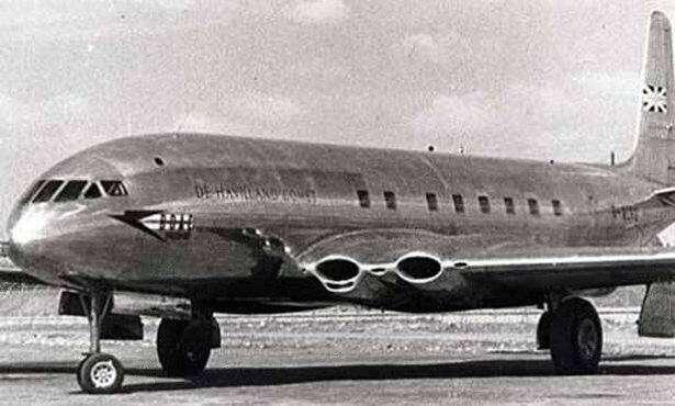 de-Havilland-Comet-1-showing-square-windows