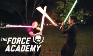 Singapurska Akademia Mocy uczy walki… mieczami świetlnymi