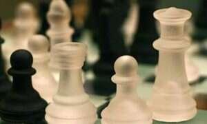 Zagraj w szachy z Giraffe