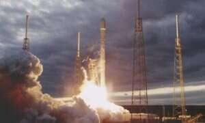 Wciągająca gra, w której lądujemy rakietą SpaceX na barce