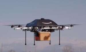 Jeremy Clarkson reklamuje drona dostawczego firmy Amazon