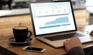 Kickbooster – marketing partnerski dla crowdsourcingu