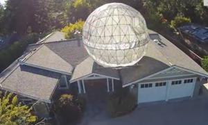 W Kalifornii rodzina postawiła sobie 7-metrową Gwiazdę Śmierci na dachu