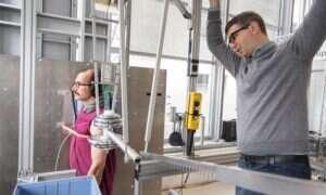 Niemiecki naukowiec bada ból zadawany przez maszyny