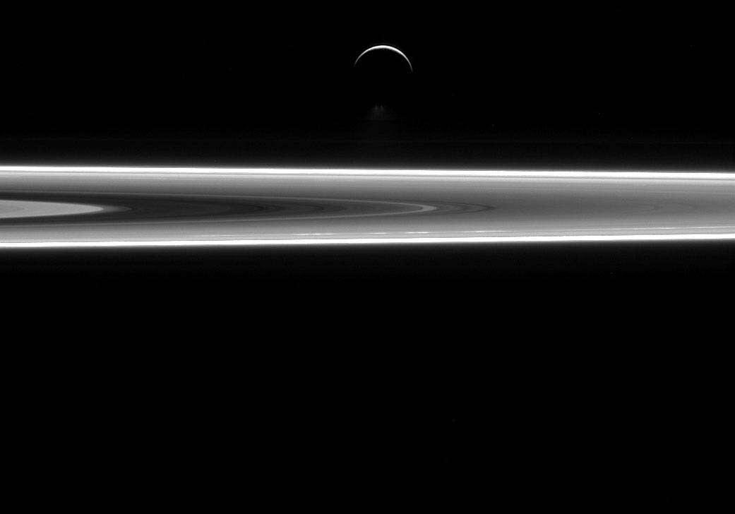 New-Cassini-Image-of-Enceladus1