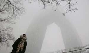 Chińskie państwowe media informują o gwałtownym wzroście zachorowań na raka płuc