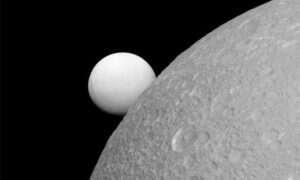 Enceladus okazuje się przyjazny dla życia