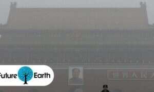 Pekin ogłasza czerwony alarm smogowy