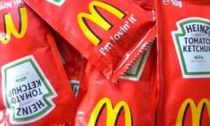 Jak długo zdatne do spożycia są opakowania z fast-foodowymi ketchupami?