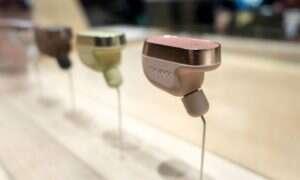 Sony zadba o nasze uszy z headsetem-asystentką Xperia