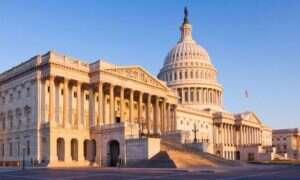 Senat USA permanentnie zwalnia z podatków dostęp do Internetu