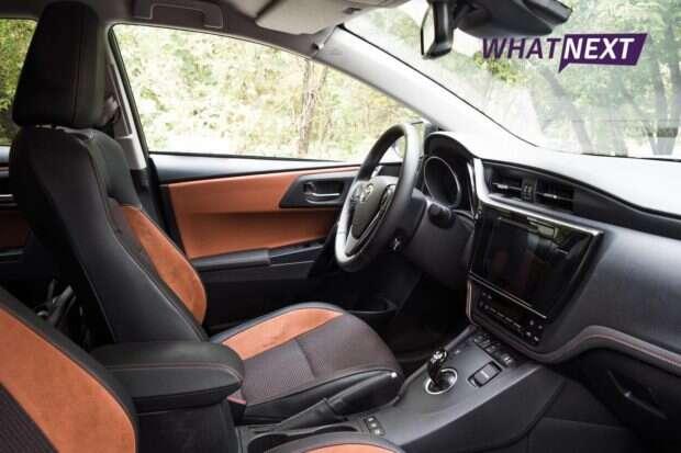Toyota Auris wnętrze