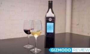 Dla tych, którzy nie dopijają butelki wina: Inteligentna butelka dbająca o świeżość płynu