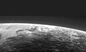 Odkryto chmury na Plutonie