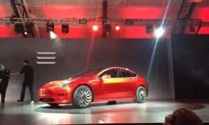 Pierwsza prezentacja Tesli Model 3