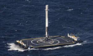 Falcon 9 wylądował po raz trzeci – zobacz filmik z pokładu rakiety!