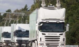 Szwedzi budują elektryczną autostradę dla hybrydowych ciężarówek