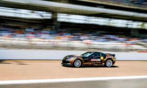 Dzięki Internetowi Rzeczy Sparaliżowany kierowca wyścigowy wraca za kierownicę