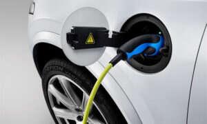 Norwegowie chcą zakazać sprzedaży samochodów z silnikami na paliwa kopalne