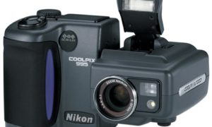 Aparat za 20 dolarów kontra profesjonalny fotograf