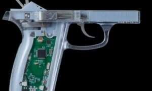 """Smart gun"" – broń identyfikująca użytkownika"