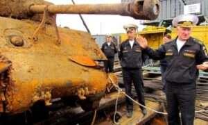 Rosjanie wyłowili z morza czołg M4A2 Sherman