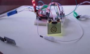 Zobacz jak zrobić smartwatcha ze starej Nokii