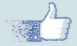 Facebook nadal promuje fałszywe wiadomości