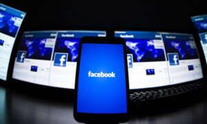Facebook kupuje od hakerów wykradzione hasło do kont swoich użytkowników